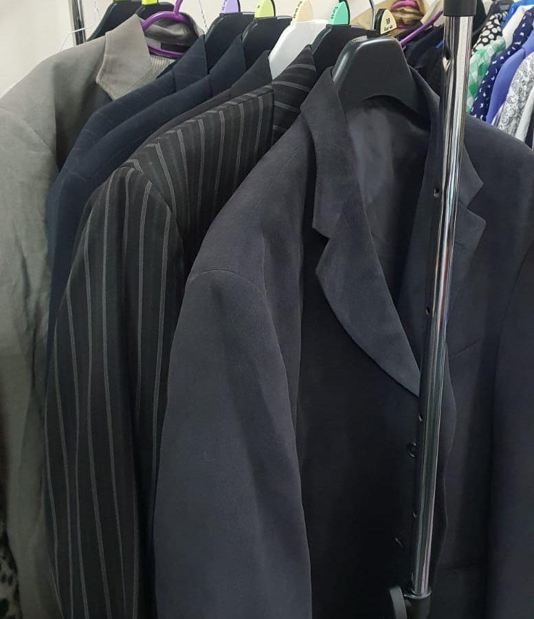 8 suits